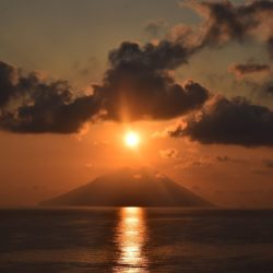 sun-cloud-sea-stromboli-volcano-2948452_1920